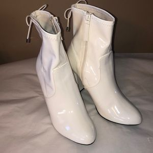 Patten leather white ankle boots! Sz 8.5!